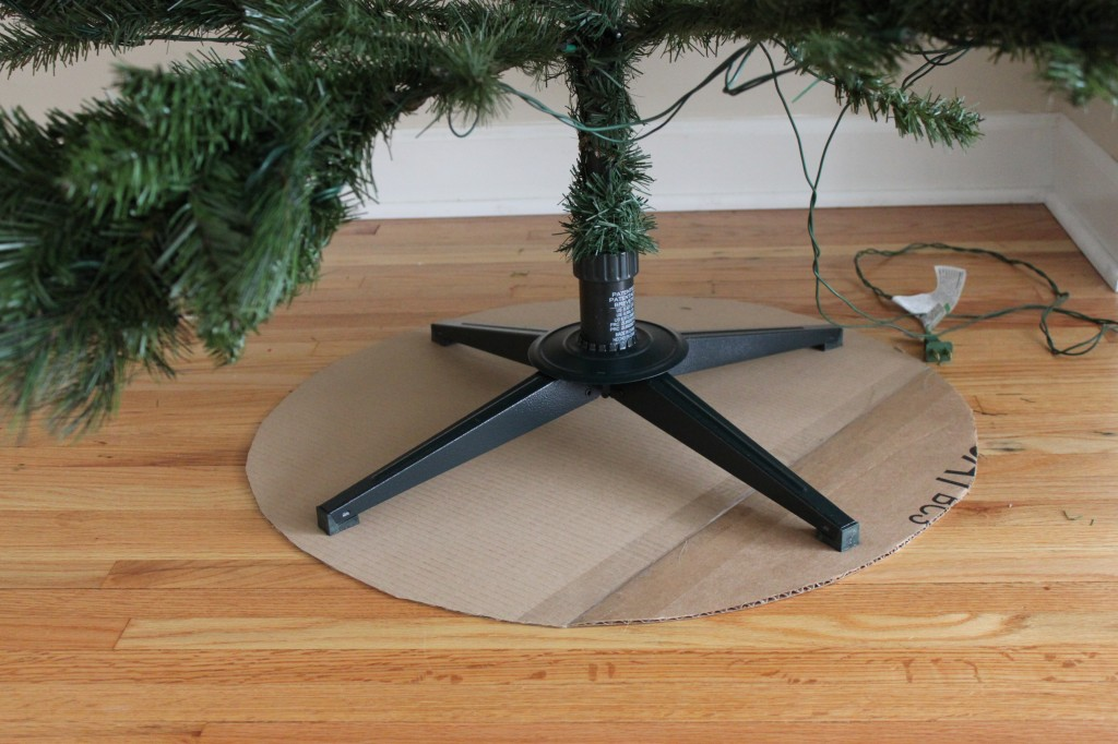 DIY Burlap Tree Skirt - step 2