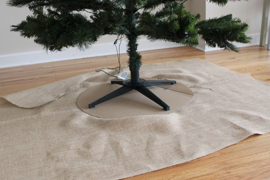 DIY Burlap Tree Skirt - step 5