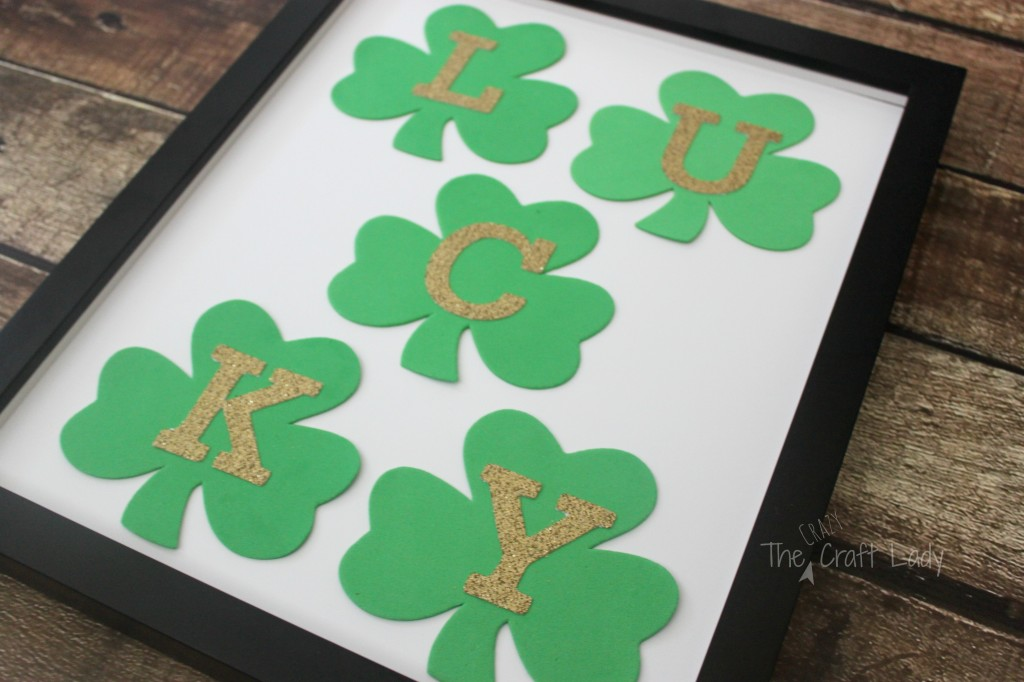St. Patrick's Day Dollar Store Craft - A simple, 10-minute and $1 St. Patty's Day craft.
