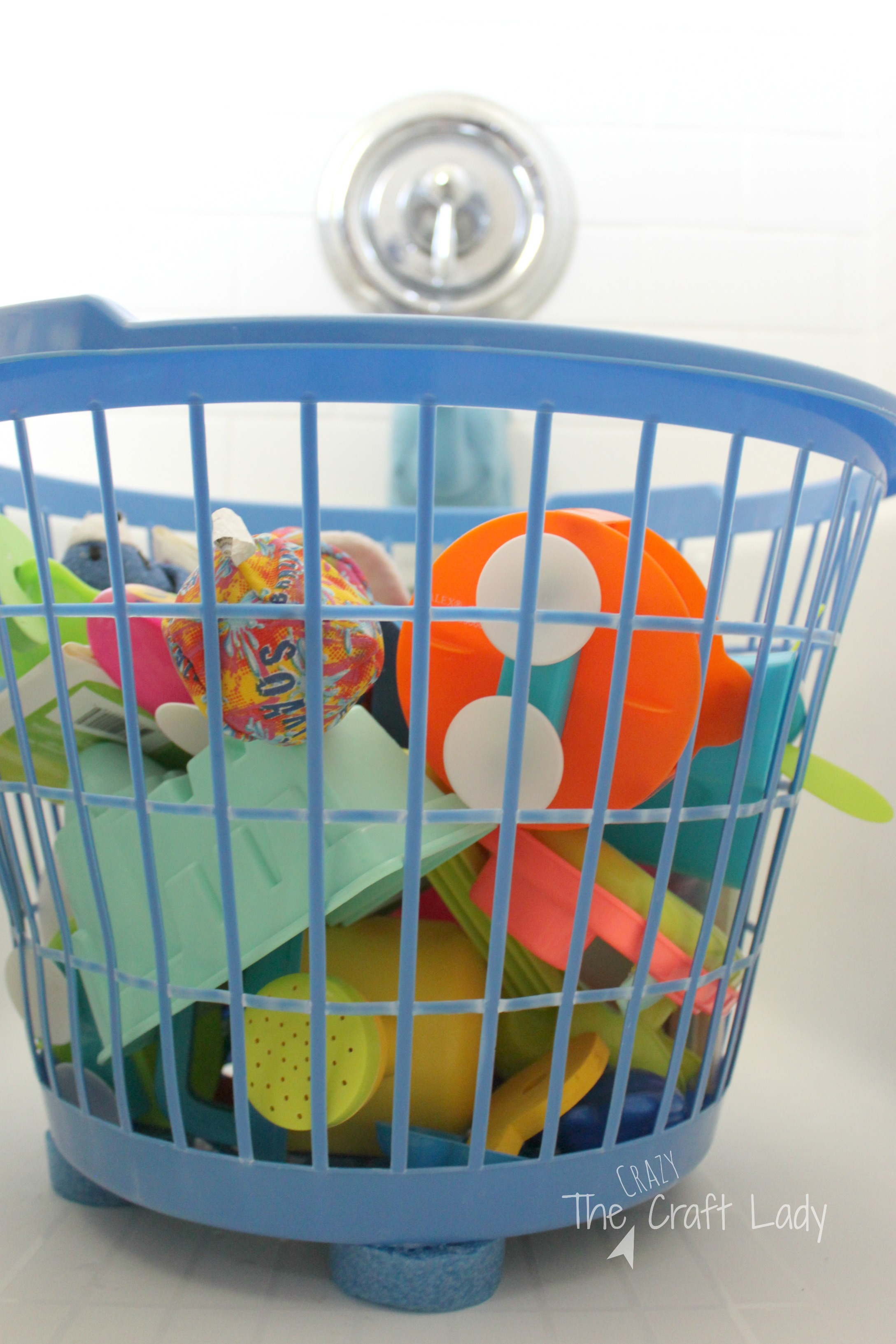 $1 tub toy storage solution. Get that tub toy clutter under control for only  sc 1 st  The Crazy Craft Lady & $1 Tub Toy Storage Solution - The Crazy Craft Lady