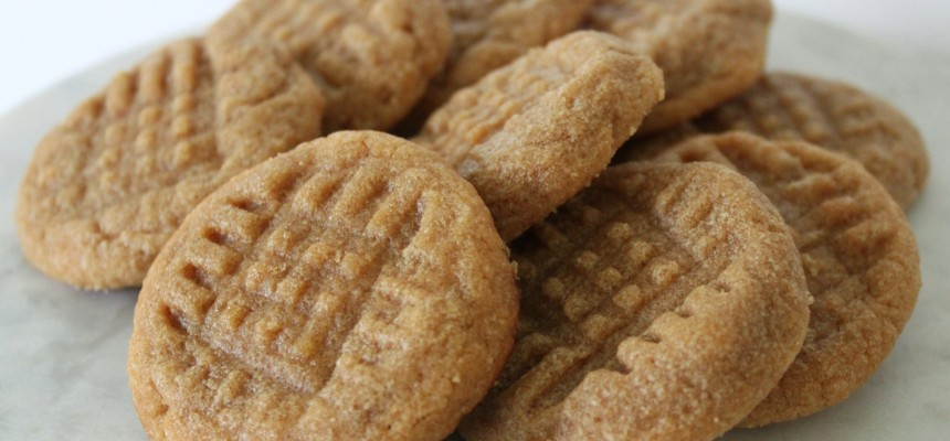 3-Ingredient Peanut Butter Cookies [the easiest cookies you'll ever bake]