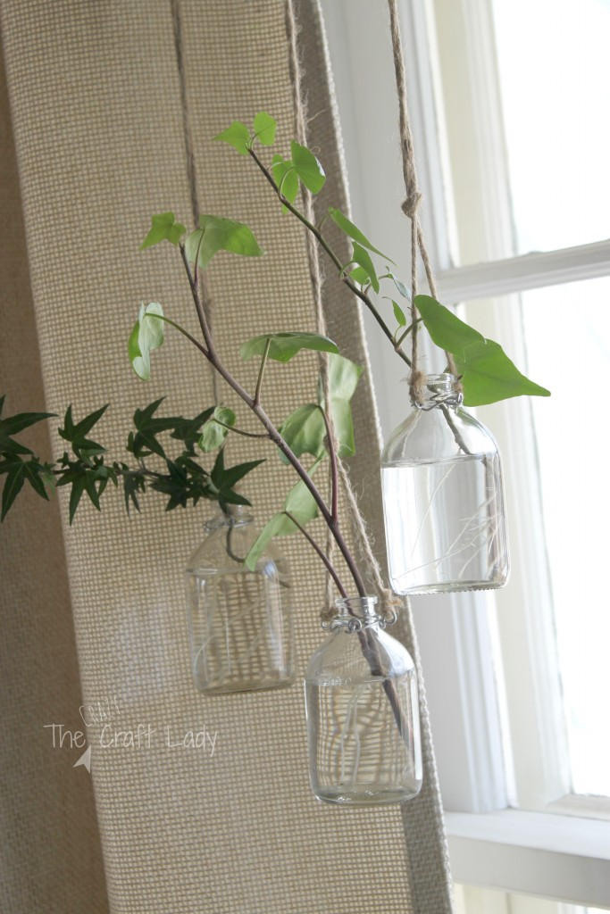 Simple hanging vases for spring - Get your home ready for Spring with some of my favorite Spring Home Decor Trends and tons of DIY inspiration!