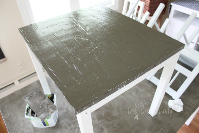 How to lay concrete to make a concrete table top - with a complete tutorial