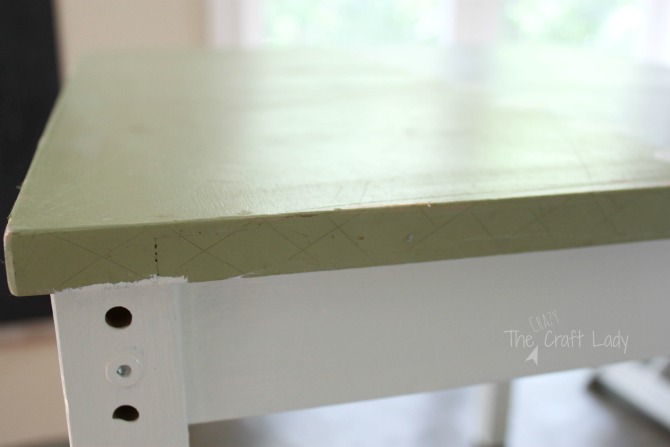 how to prepare a table to make a DIY concrete table top