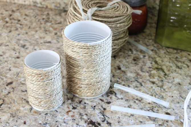 tutorial to upcycle tin can craft with spraypaint and rope