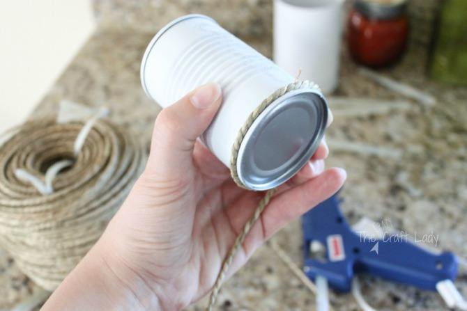 tutorial - upcycle tin can craft with spraypaint and rope