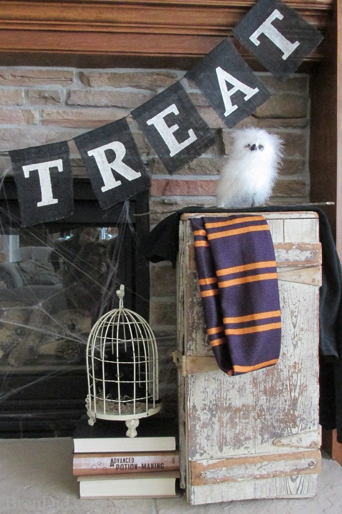 BrenDid-Pottery-Barn-Inspired-Black-Trick-or-Treat-Banner