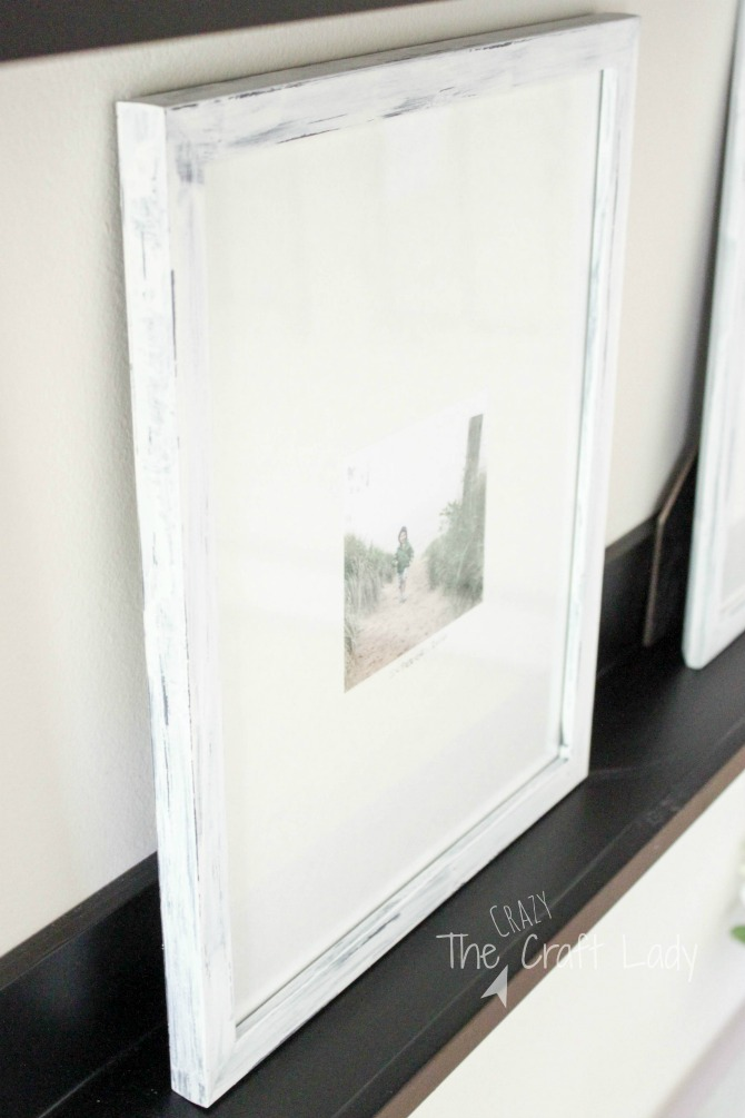 How to Paint and Distress Picture Frames and make a beautiful, stylist, and inexpensive gallery wall