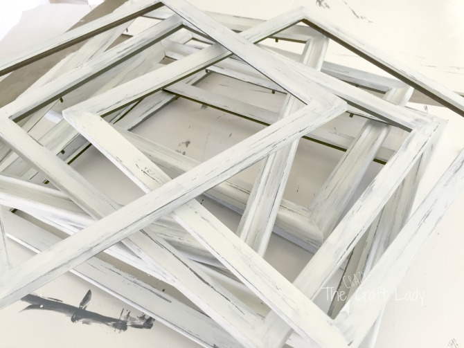 Painted Distressed Picture Frames - a DIY tutorial