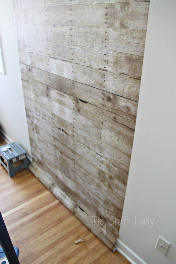 how to make a faux plank wall that is damage-free and rental-friendly