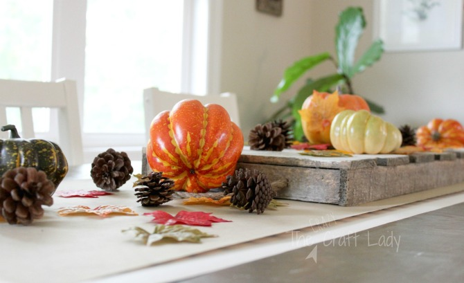 Simple Fall Table Runner and Fall Dining Table Decor