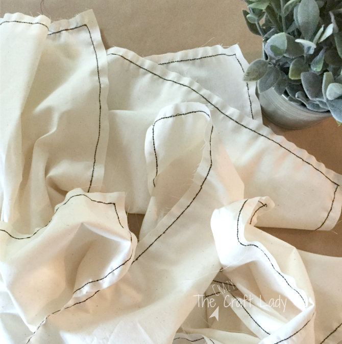 DIY Fabric Napkins with frayed edges - a tutorial from The Crazy Craft Lady