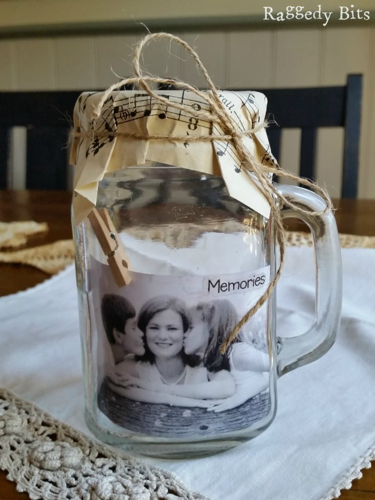 DIY Glass Jar Photo Holder + great DIY Photo Gift Ideas