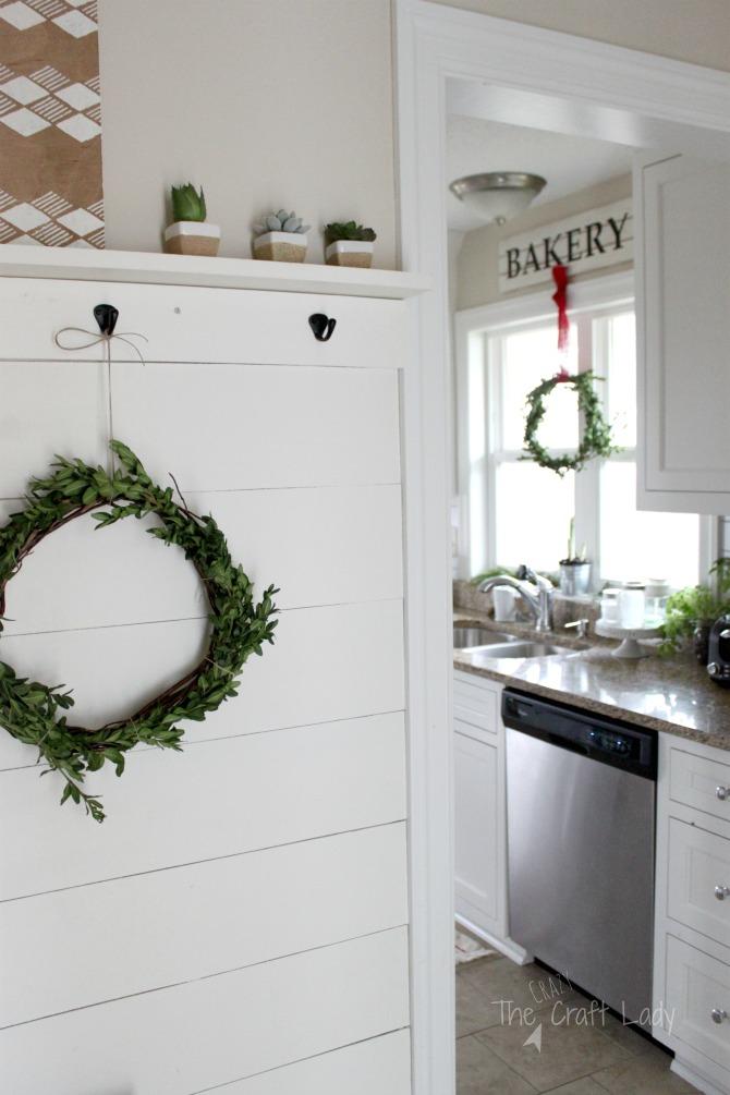 DIY boxwood wreaths for winter decor