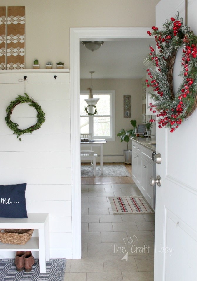 DIY boxwood wreaths and simple winter decor