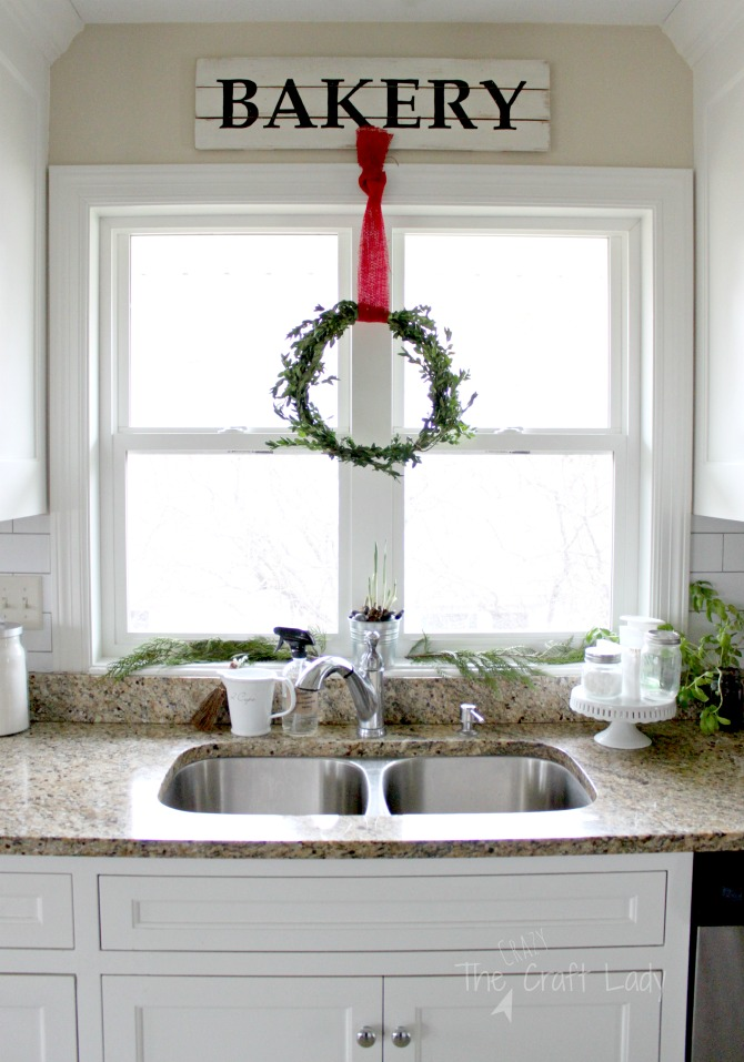 Simple DIY Boxwood Wreaths