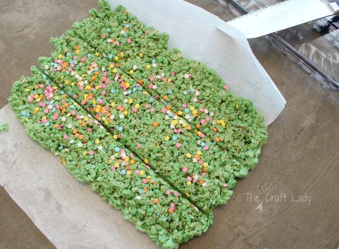 Christmas Tree Rice Krispie Treats - Cereal Bar Christmas Tree Treats
