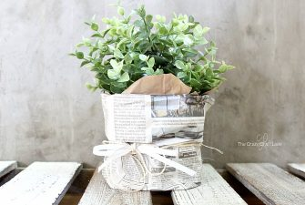 How to Make a Decorative Newspaper Bag