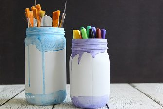 Mason Jar Craft: Simple Painted Watercolor Jars