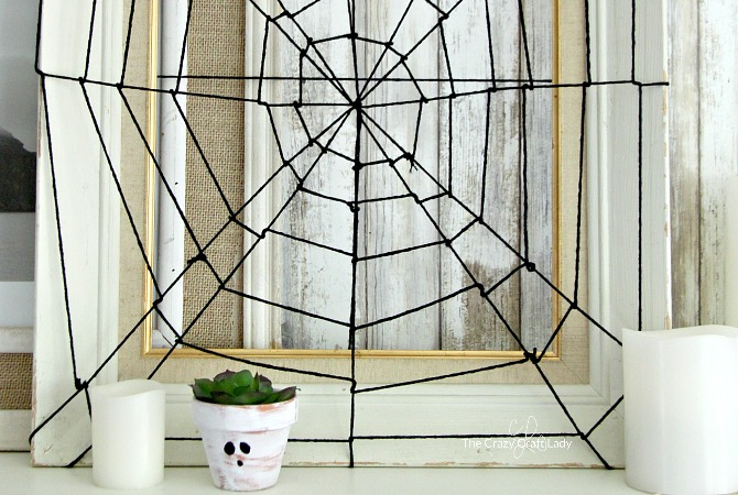 DIY Spider Web Picture Frame – Easy Halloween Decor