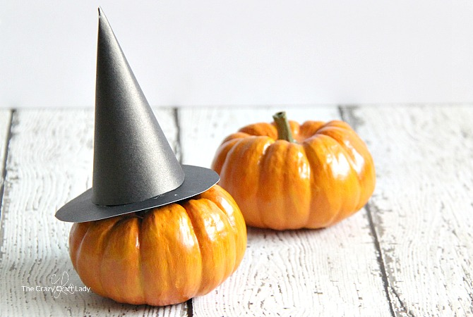 Mini Witch Hat and Printable Template for Halloween