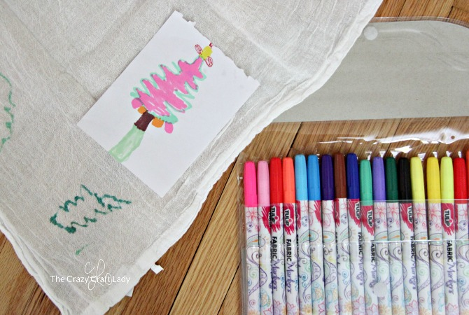 How to make personalized tea towels using your child's artwork and fabric markers. Give a meaningful, handmade gift to grandma this year.