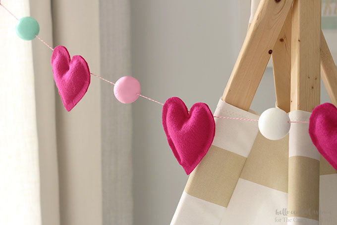 Create this colorful and easy heart garland just in time for Valentine's Day.