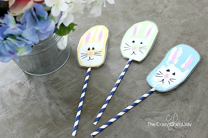 How to make Bunny Handprints with the kids for Easter. This Easter bunny handprint craft would make a great keepsake or gift for the grandparents.