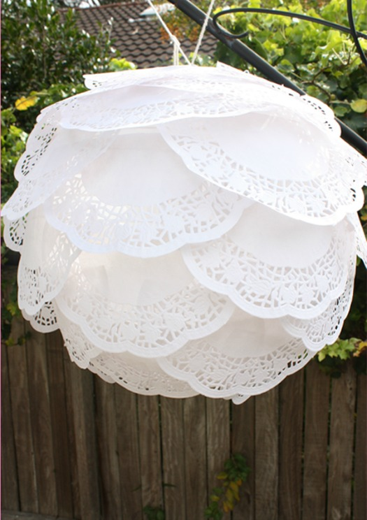 DIY ruffled paper doily lantern - easy DIY paper craft