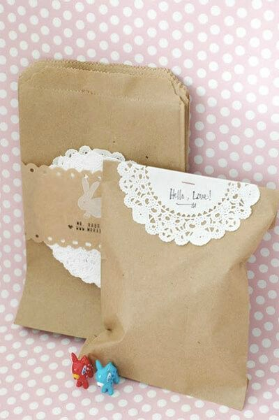 brown bag and paper doily pouches - inspiring paper doily crafts