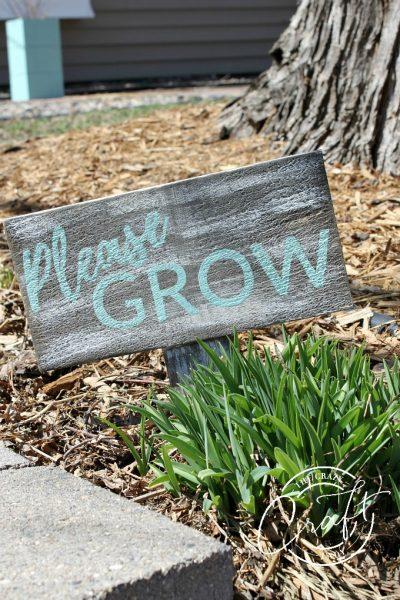 Please Grow: DIY Wood Garden Sign