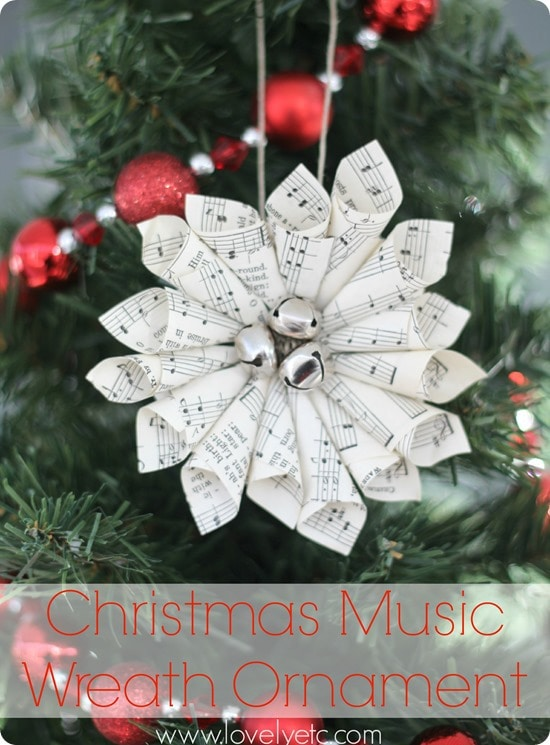 Christmas music wreath ornament - paper ornament