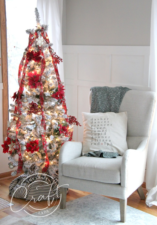 The absolute cheapest way to decorate a beautiful Christmas tree