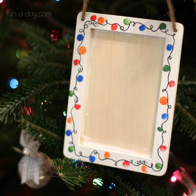 Sentimental Homemade Christmas Gifts from Kids - fingerprint christmas lights wreath craft
