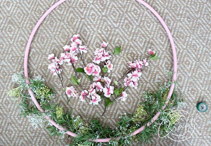 How to make a hula hoop wreath