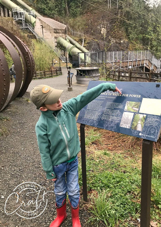 Learning about Hydroelectric Power at Snoqualmie Falls