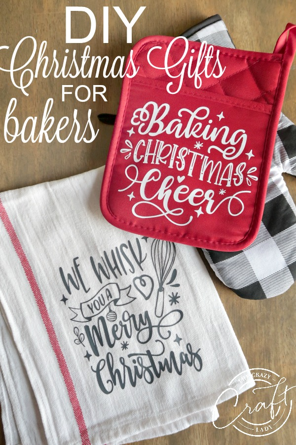 Homemade Christmas Gifts for Bakers - DIY Christmas Pot Holders + Tea Towels